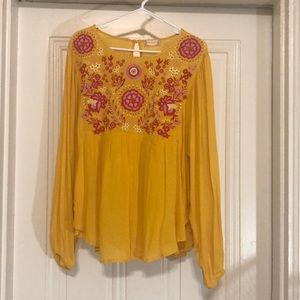 Altar'd State - Flowy Yellow/Gold Floral Top